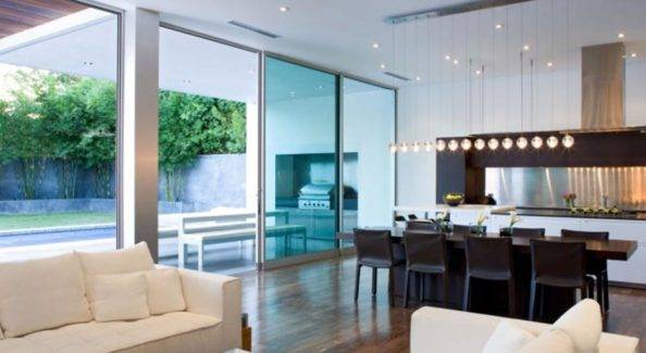 Eight tips for home staging a bright, modern interior