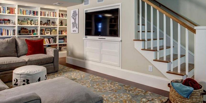 Home staging a recreation room in Toronto