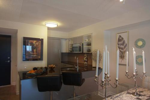 Baraka Home Staging Services Yonge St Toronto Condo (7)